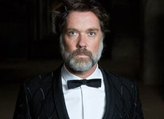 Rufus Wainwright to Perform at Grammy Premiere